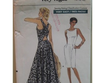 """Back Cross Summer Dress Pattern, Straight/Flared Skirt, Fitted Bodice, Open Back, Vogue No. 7718 UNCUT Size 8 10 (31.5-32.5"""" 80-83cm)"""