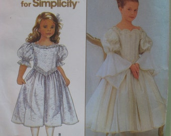 "Fabulous Flower Girl Dress Pattern, Renaissance Dress, First Communion, Simplicity No. 8931 Size 3 4 5 6 (Chest  22-25"" 56-64cm)"