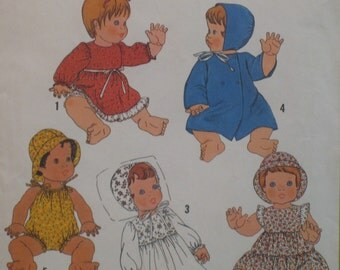 Doll Wardrobe Pattern Vintage 1970s Baby Doll  Simplicity No. 8817 UNCUT, Size 15 to 16 in  (38 to 41cm) Doll