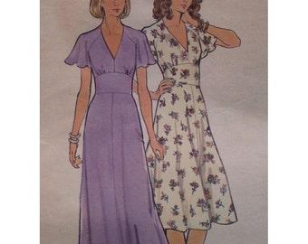 "Boho 70s Maxi Dress Pattern, Fitted Midriff, V Neck, Flared Skirt, Flutter Sleeves -  Butterick  5731 Size 16 (Bust 38"" 97cm)"