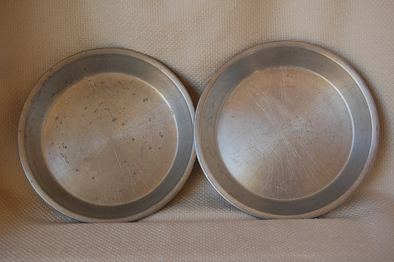 Set Of 2 Vintage Sears Pie Plates Heavy Weight Aluminum 9 Inch