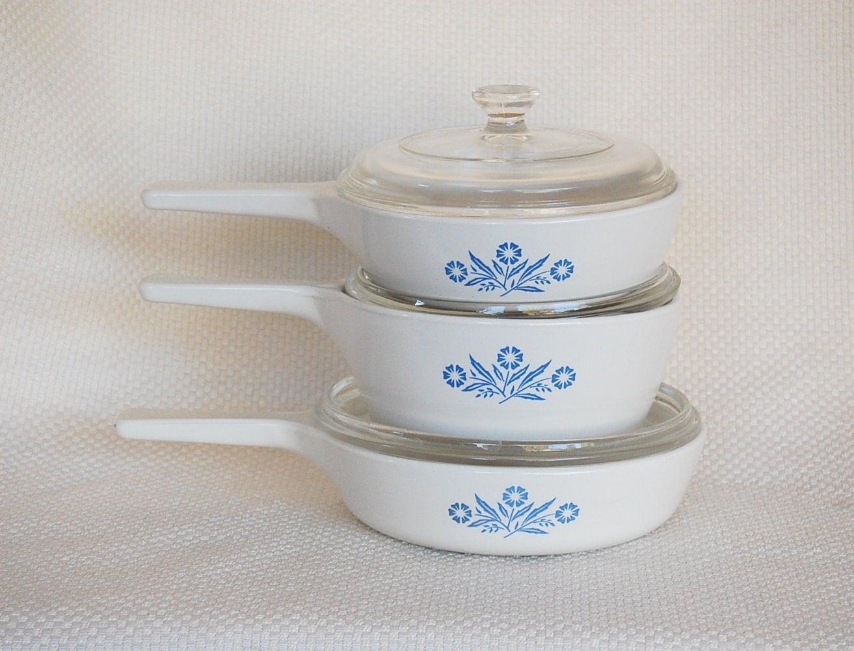 Vintage Corning Ware 16