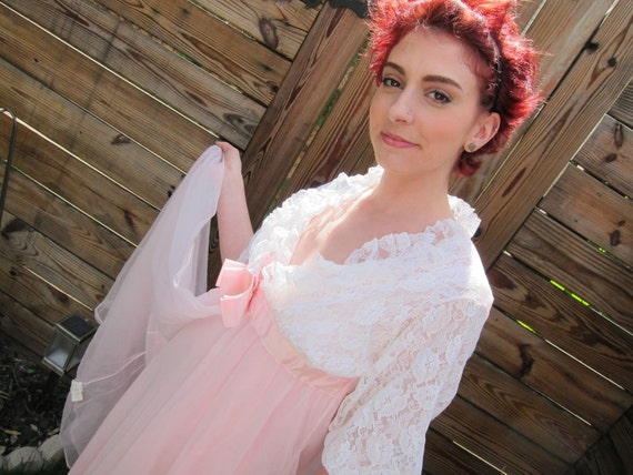 1960s pink and white dressing gown nightie and robe set S small NOS deadstock
