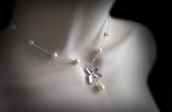 Freshwater Pearl and Dogwood Flower Choker Necklace