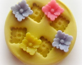 Flower Mold Mould Resin Clay Fondant Miniature Sweet Flower Jewelry Charms Flexible Molds