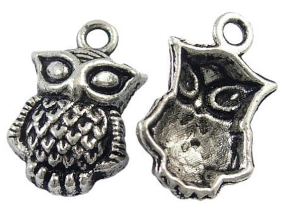 2 Fancy Little Antique Silver Owl Charm Pendants 20mm X 13mm Earrings Pendants