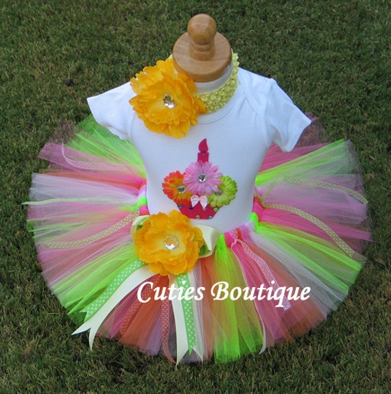 CUPCAKE Birthday TUTU Set With 3D CUPCAKE Shirt --All Sizes 6 9 12 18 24 Months 2T 3T 4T --Birthday, Photo, Holidays, Dress Up