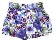 White and purple florl print Women shorts with front zipper