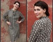 1960's. geometric. ascot bow. shift dress. mad men. vintage dress. Sz l/xl.