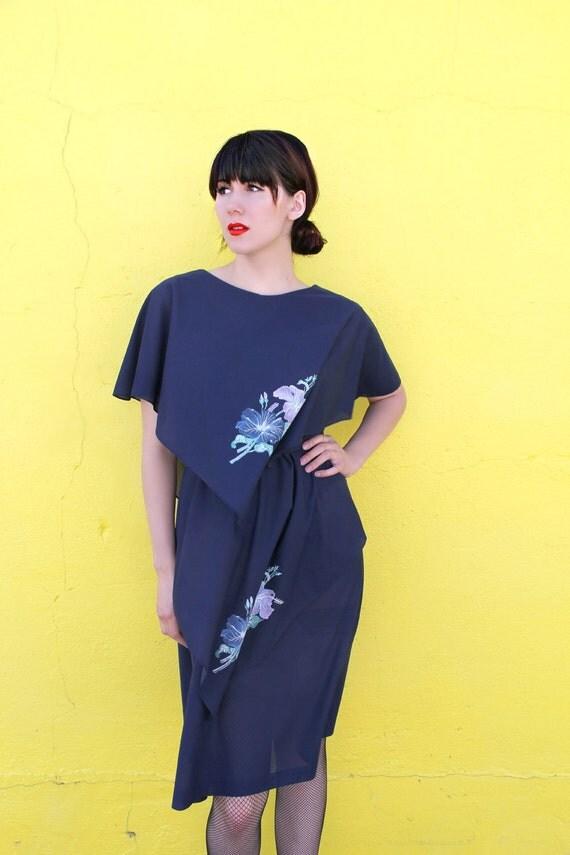 1970's. navy blue. tiered. floral. vintage dress. Sz l/xl.