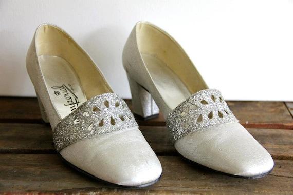 1950's. silver. glitter. evening shoes. vintage. Sz 8.5