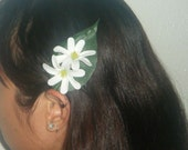 Double white tiare flower hair clip
