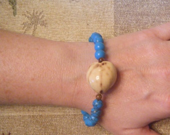 Kukui nut bracelet with turquoise