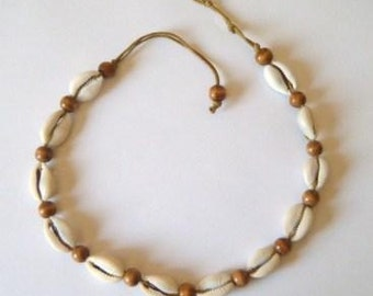 Unisex cowrie shell and wood bead necklace