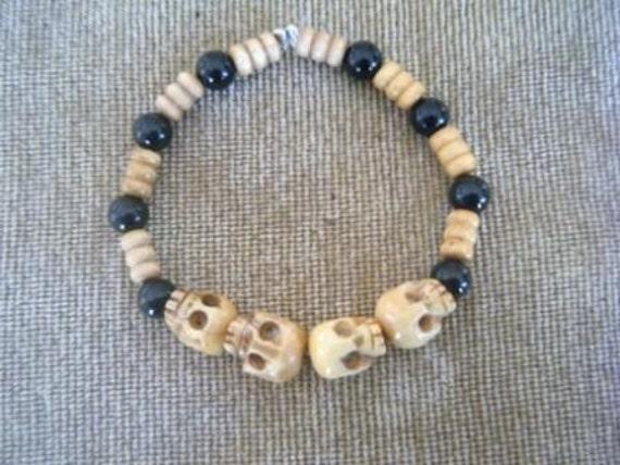 Unisex beaded skull bracelet