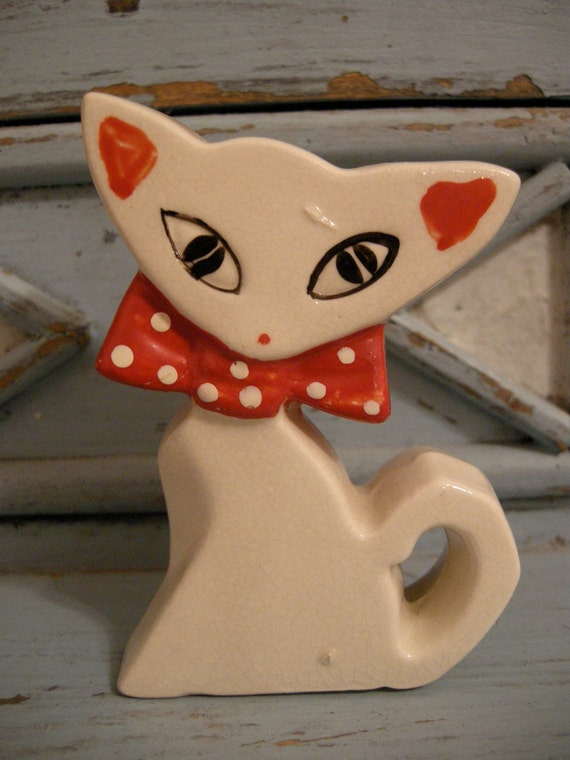 Cute Kitty Salt Shaker