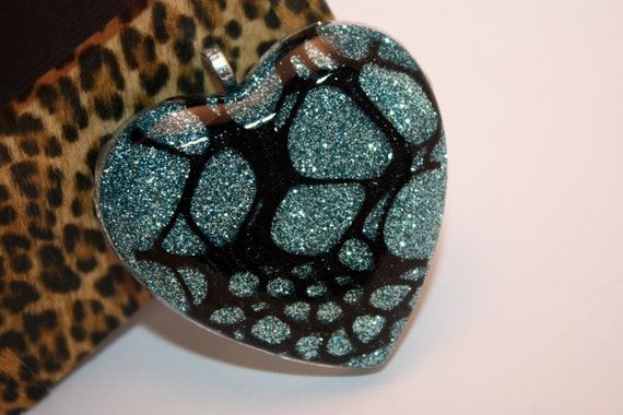 CLOSING SALE - Blue Glitter and Black Webbing Heart Resin Necklace - Aull About You
