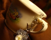 Dove Bouquet Silver Keychain with Wildflowers