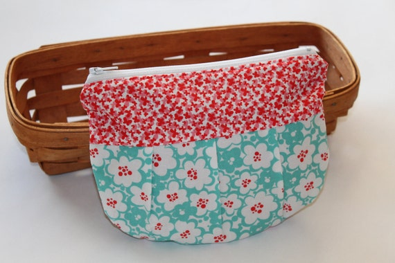 RESERVED FOR KAGAN - Zippered Pouch - Cotton Makeup Bag with Pleats - Turquoise and Red Flowers, Just Wing It