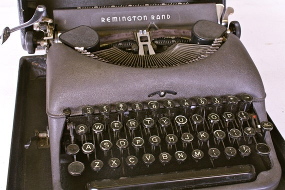 Vintage Typewriter Remington Rand DeLuxe 5 1940's