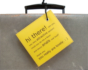 Luggage tag C'est Superbe! labels - Personalized Luggage Tag assisting you on YOUR travels. LE MINI.