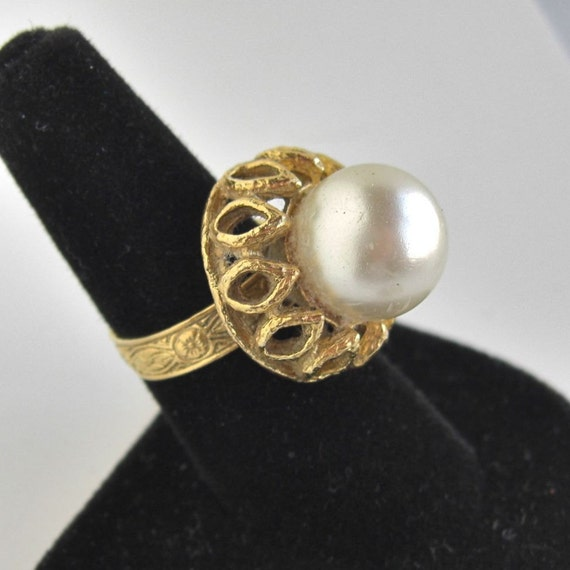 Vintage Large Faux Pearl & Gold Cocktail Ring - Adjustable Size