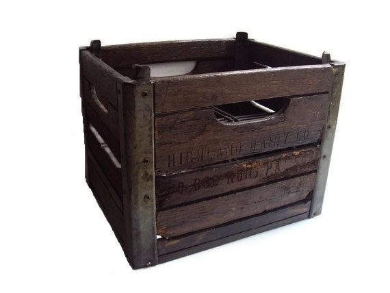 vintage milk crate wood and metal dairy crate rustic. Black Bedroom Furniture Sets. Home Design Ideas