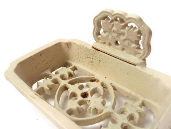 Cast Iron Soap Dish, Antique Soap Dish, Vintage Soap Holder, Cream Soap Dish, Bathroom Accessory, Shabby Chic Home Decor