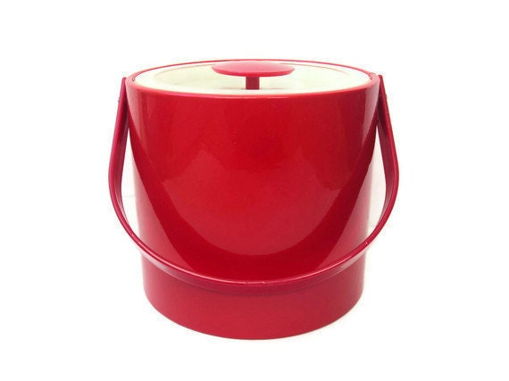 1960's Red Ice Bucket by Georges Briard, Mad Men Home Decor, Red Vinyl Ice Bucket, Retro Bar Accessory