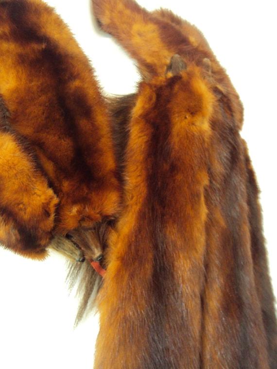 Vintage 1940's Mink Stole, 8 Pelt Stole, Auburn Brown Fur, Complete Pelts, Dual Clip, Minks w/ Heads & Tails, Shoulder Wrap, Shawl