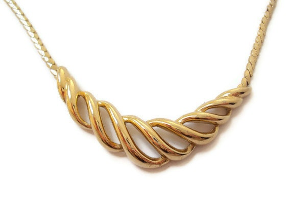 vintage trifari necklace gold tone costume jewelry necklace