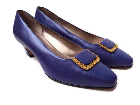 Vintage Purple Heels, Made by Apostrophe, 80's Purple Leather Shoes with Gold Buckles, Priscilla, NEAR MINT, Size 9M