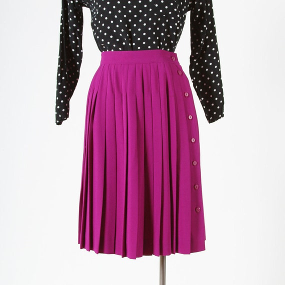 high waisted fuschia pink pleated skirt by fineanddandyvintage