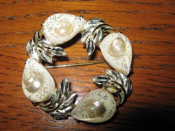 Vintage Circle Pin Brooch