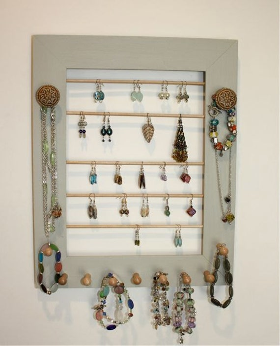 Natural Wood Earring Holder will Organize Jewelry.