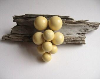 vinage grape cluster dress/fur clip
