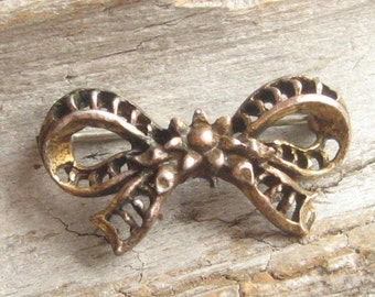 BOW PIN BRASS VINTAGE