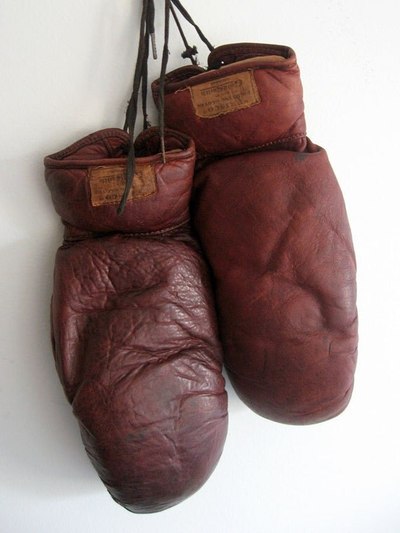 Vintage Boxing Gloves / Goldsmith Frisco Fighting Gloves