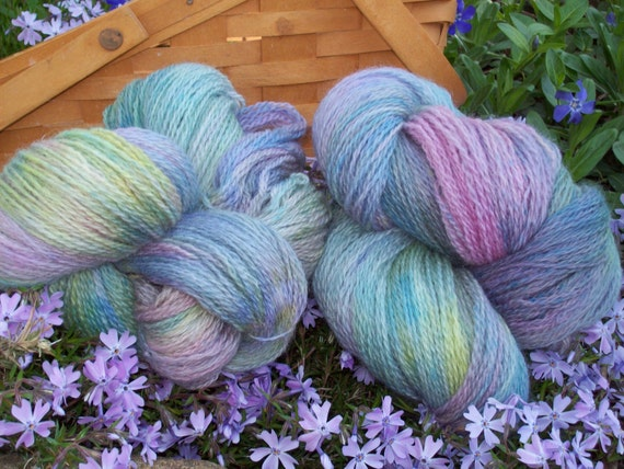 "Hand Painted,  Peruvian Highland Wool , Worsted weight, 220 yards, ""AFRICAN VIOLET"", Various colors,  blending together,Gentle, Pastel"