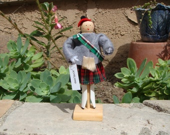 Scotland boy clothespin doll - black and red, green, grey costume