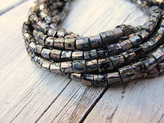 Seed Bead Bracelet/ Layered Czech Glass Hex Seed Beads in Jet Black with Silver: Silver Hex