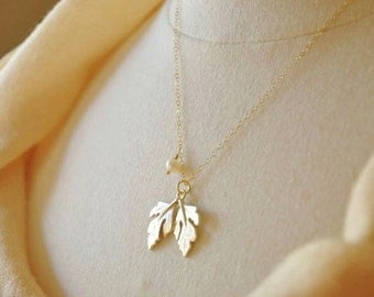 Gold Maple Leaf Necklace- Maple Necklace, Dainty Gold Necklace, Leaf Pendant Necklace, Simple Necklace, Thin Gold Necklace