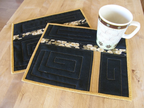 Japanese Daisies Quilted Mug Rugs or Sushi Mats - Set of 2