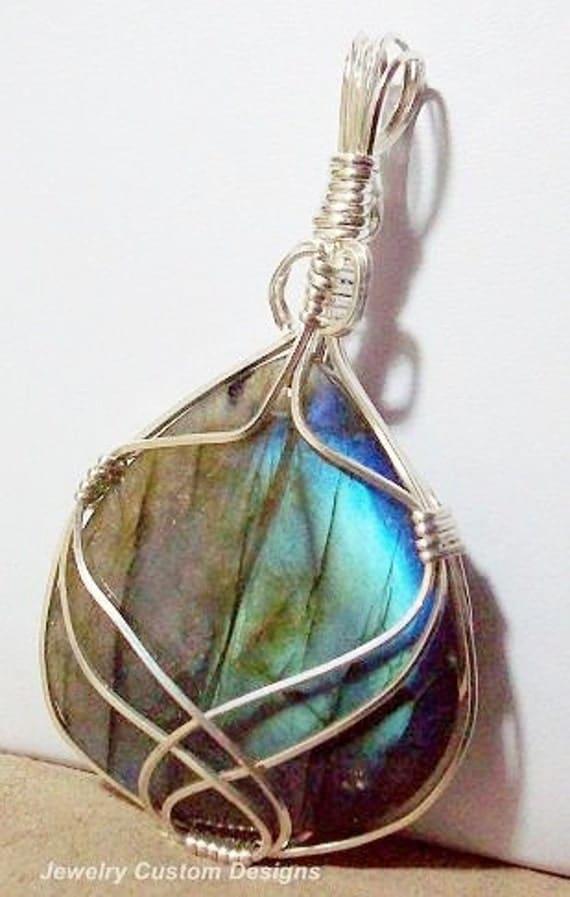 Labradorite Pendant in Sterling Silver