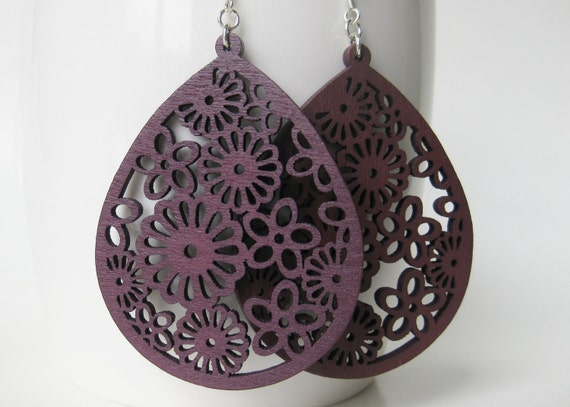 Purple Wood Earrings. Lace Earrings. Aubergine jewelry. Dark Purple. Queen Anne's Lace and Daisies. Sterling Silver Earrings.