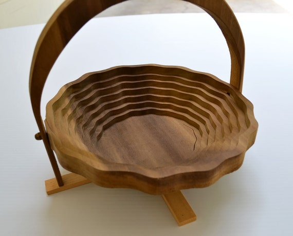 Vintage Collapsible Mid century Fruit Basket