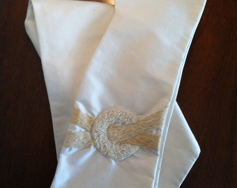 Pearl and Ribbons Liturgical Stole