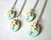 Daisy Bridesmaid Necklace, Daisy Wedding theme, personalized letter necklace for bridesmaids set of 4, 5, 6, 7, custom bridesmaids jewelry