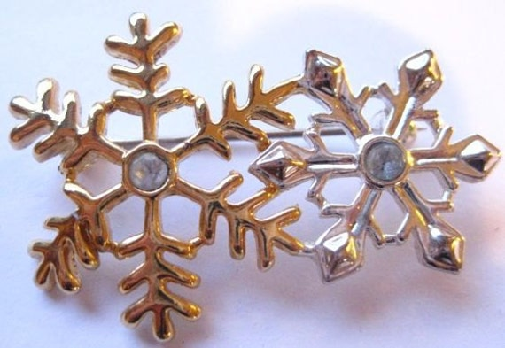 20 Percent Off  Vintage Snowflake Brooch Rhinestones Gold Tone Silver Tone