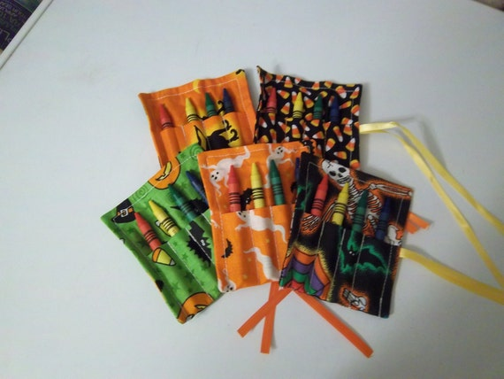 Spooktacular Trick or Treat crayon roll-ups 15 pack